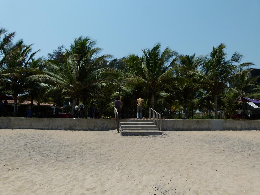 Der Ausgang zum Strand