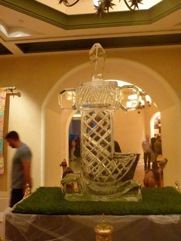 Schwert als Eis-Skulptur