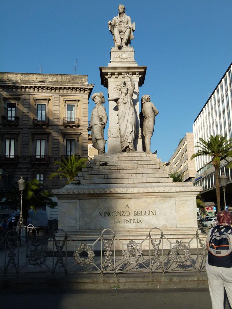 Denkmal auf der Piazza