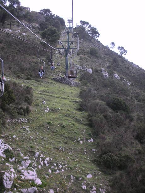 Mit dem Sessellift hinauf zum Monte Solaro