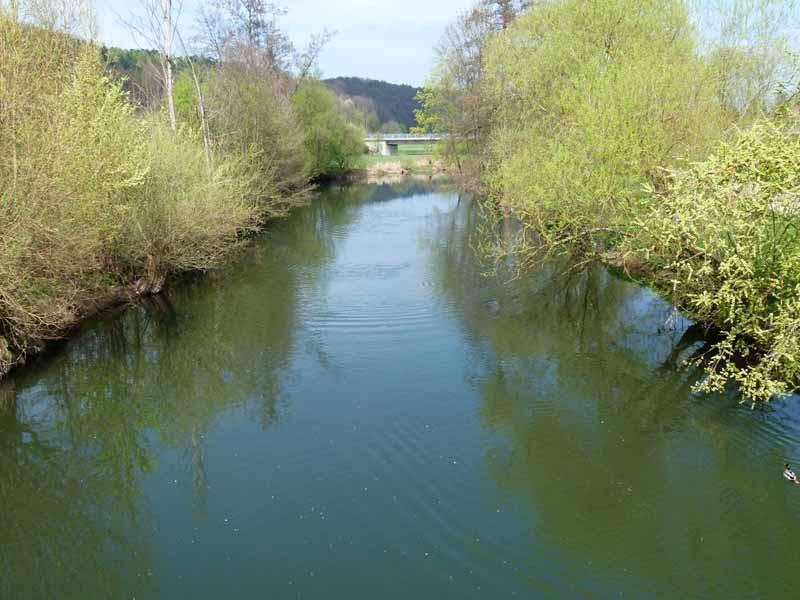 Gleich hinter dem Kurpark fließt die fränkische Saale