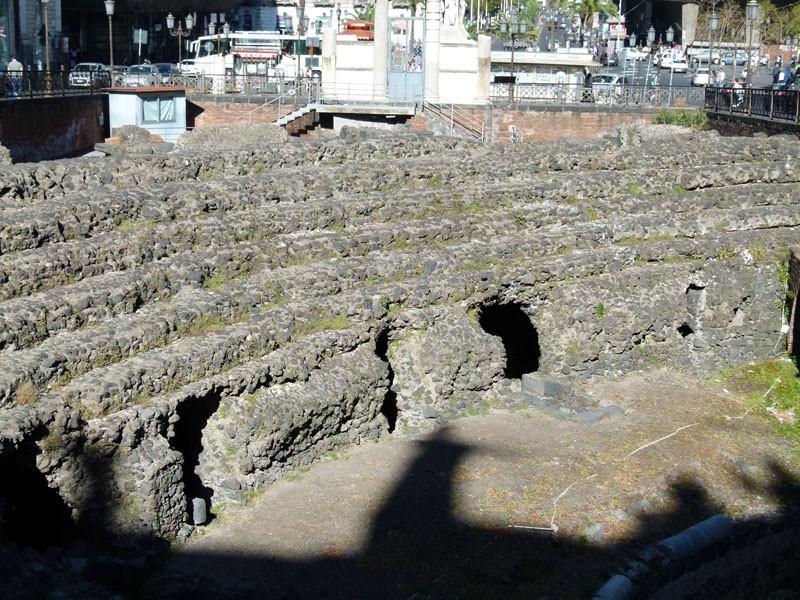 Mitten in der Stadt das kleine Amphitheater