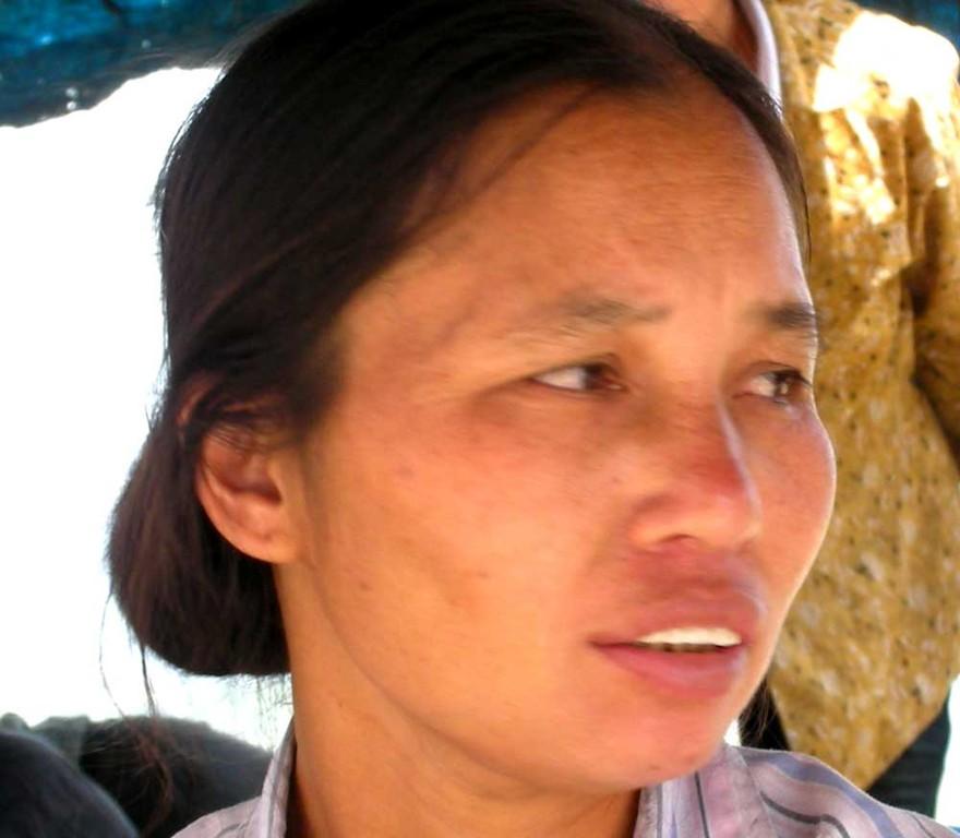 Dorfbewohnerin in Mau Chai