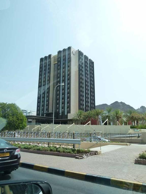 Das höchste Gebäude Muscats - ein Hotel