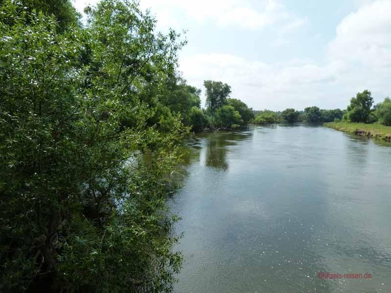 Der Fluss führt noch sehr viel Wasser
