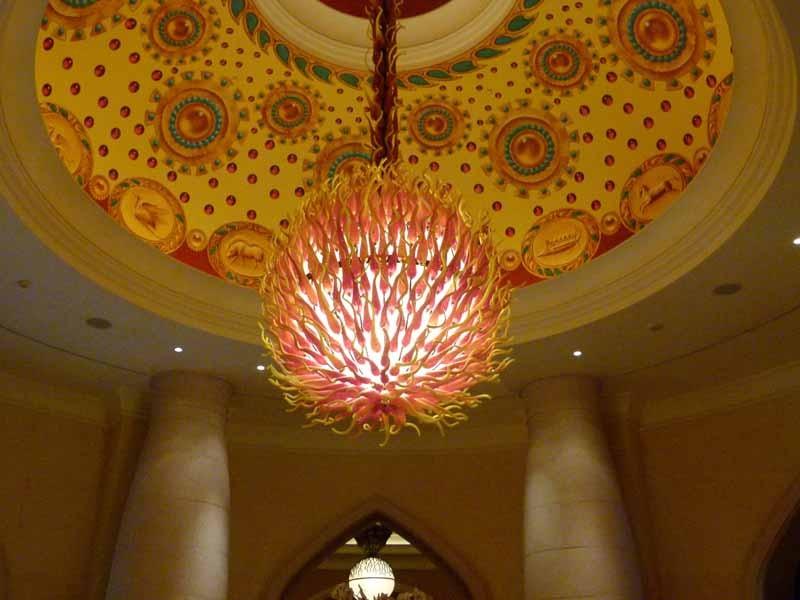 Irgendwo im Hotel eine Lampe als Rambutan