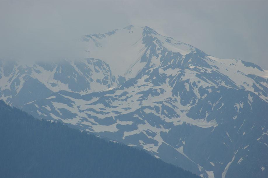 die gegenüberliegende Berggruppe