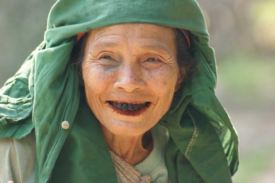 Älteste in Mau Chai