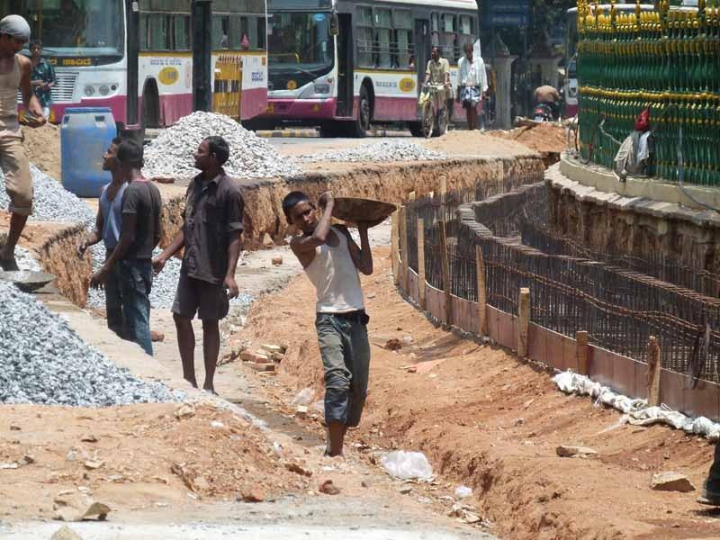 und Straßenarbeiter