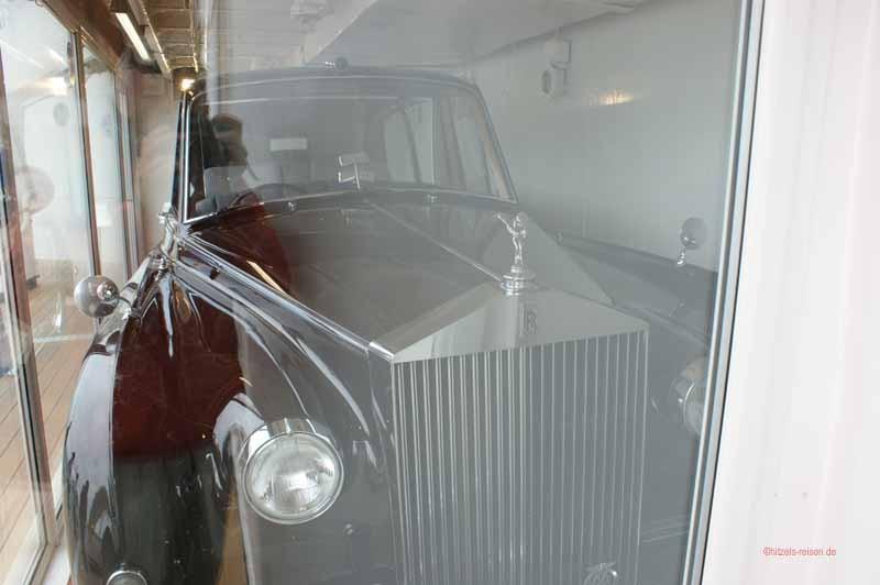 Der Rolls Royce von Prinz Philipp wurde stets mit einem Kran an Bord gehievt