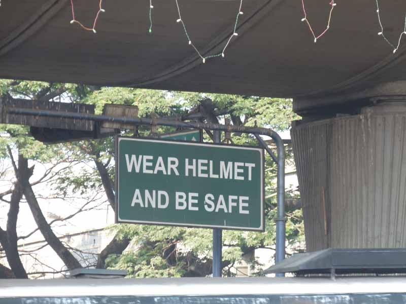 Nur wenige tragen einen Helm