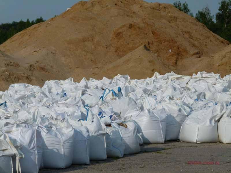 Restliche Sandsäcke vom Hochwasser