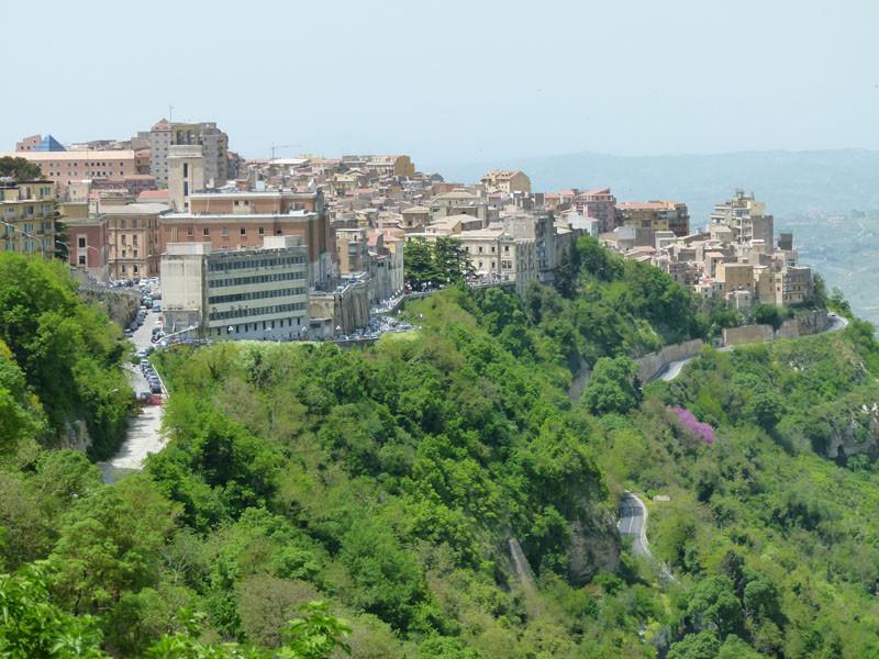 Blick vom Castello auf die Stadt
