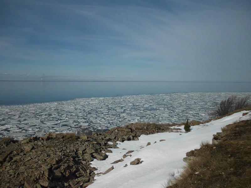 Eisschollen an der Ostsee.
