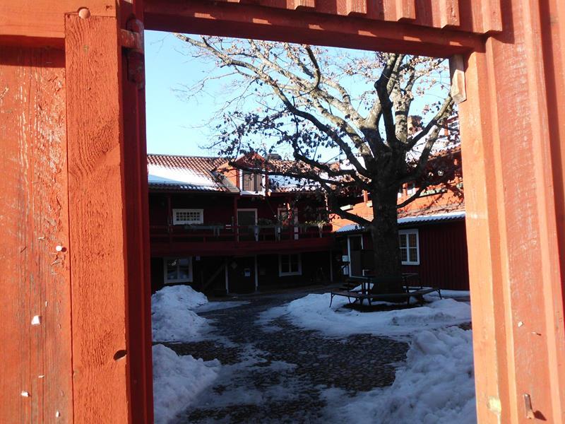 Südschwedens typisch rote Holzhäuser.