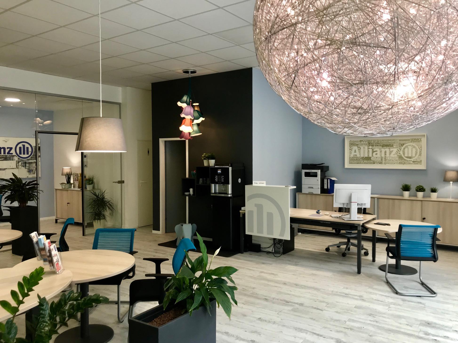 Viel Raum für gute Beratung in der Allianz Versicherung Jens Schmidt