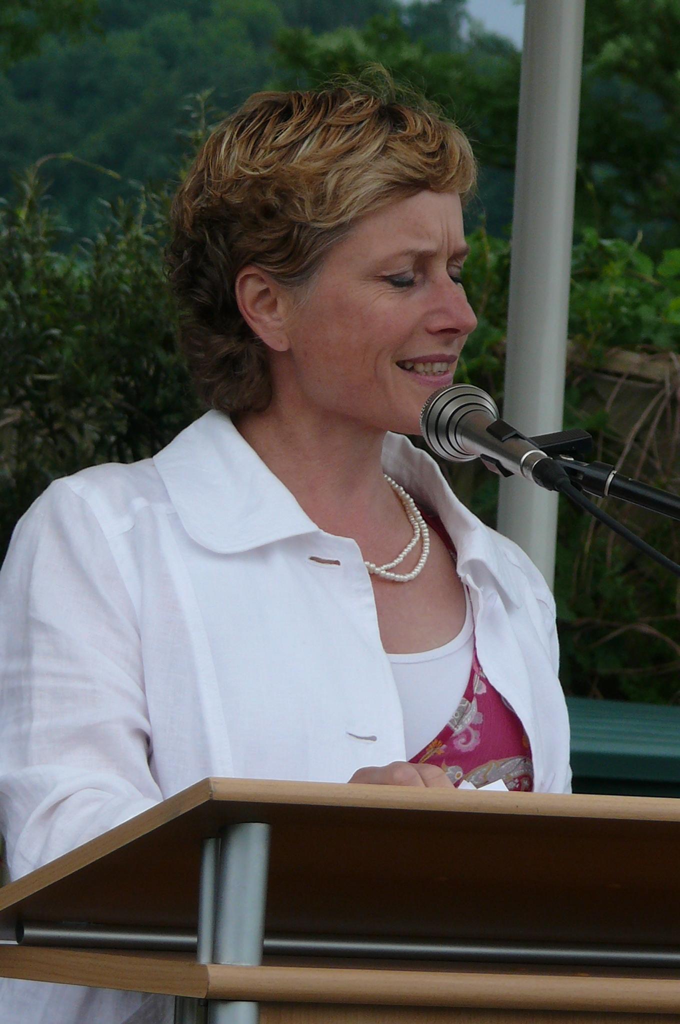 Elisabeth Scharfenberg MdB