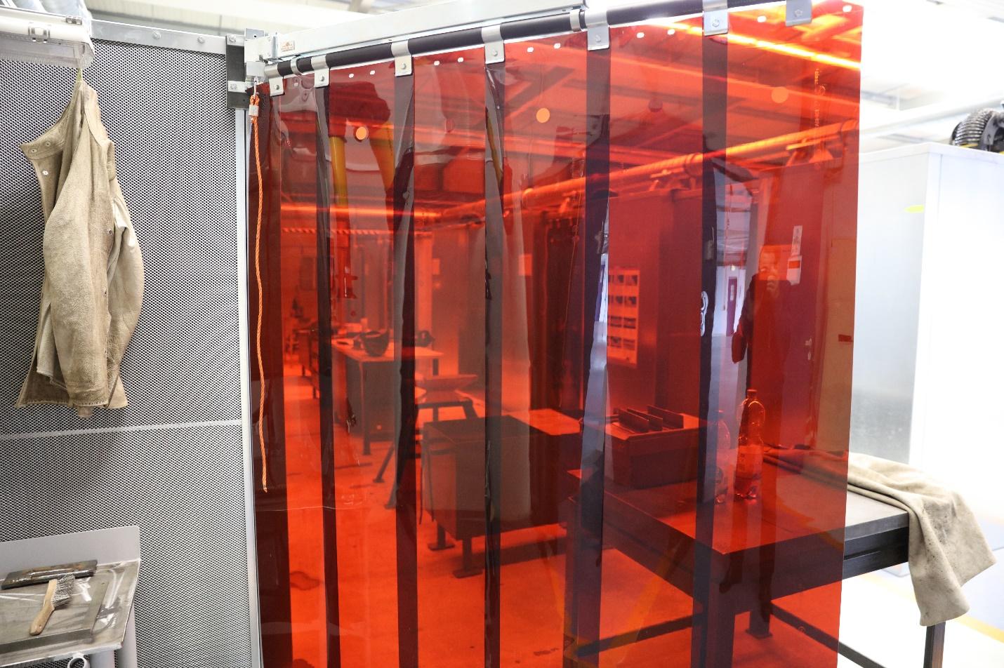 Verschiebbare Schweißerlamellen (rot, transparent)