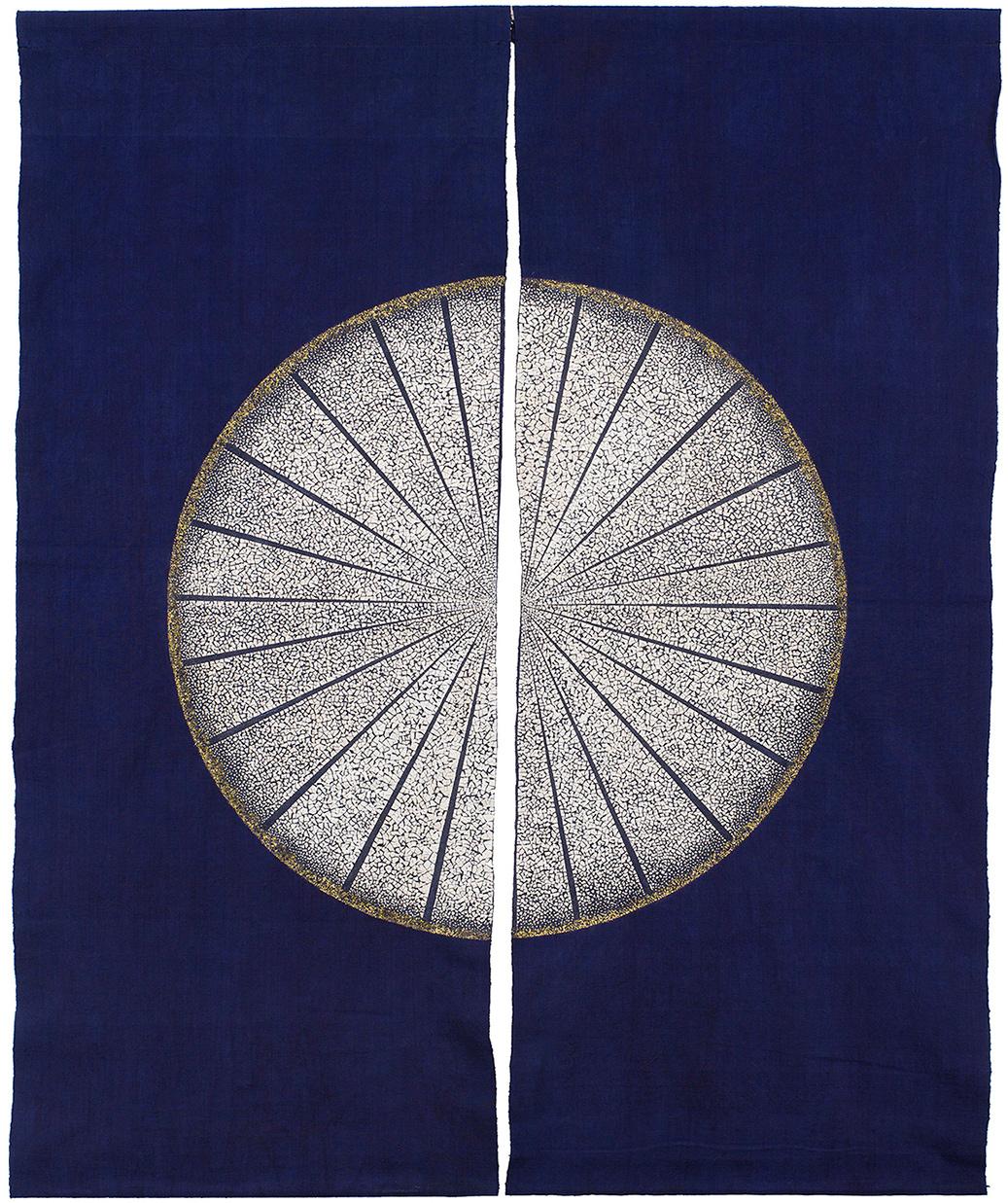 Lever de lune - Tissus indigo de Chine décorés de coquilles d'œufs et feuilles d'or - Dimension : 90 x  120 cm