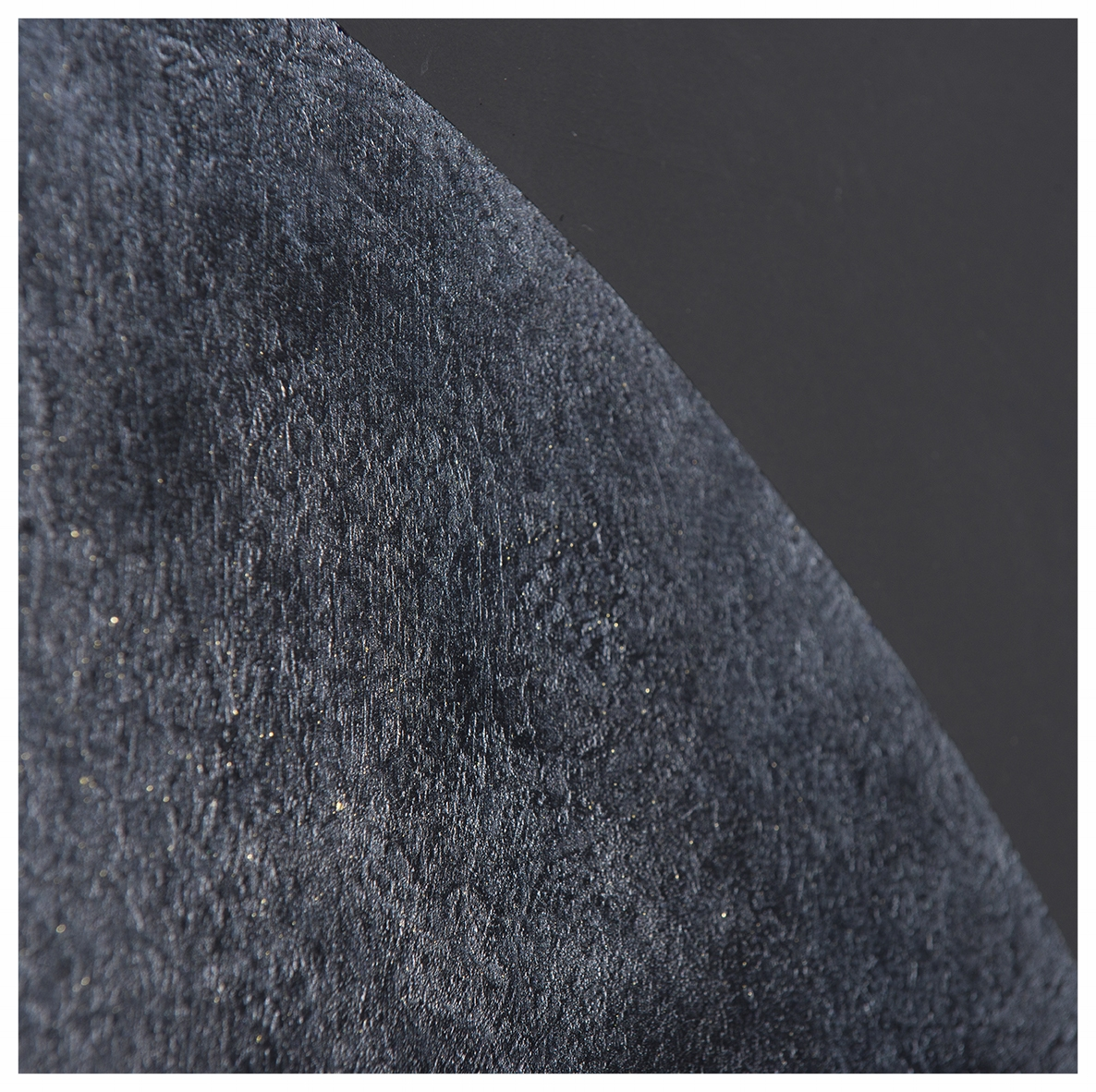 Black moon - Lacquered finition in wax - Size :  60 x 90 cm