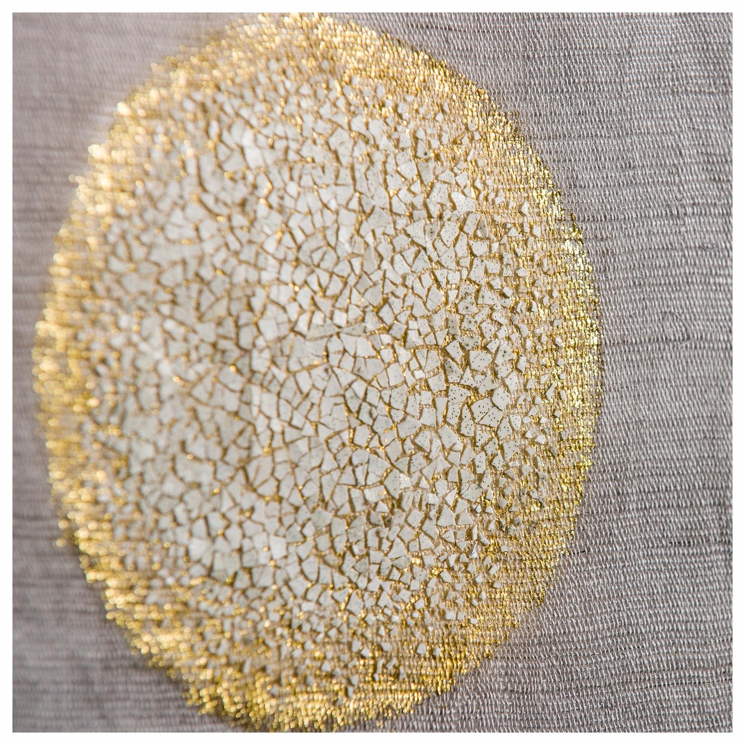 Lever de lune - Tissus en chanvre de Chine décorés de coquilles d'œufs et feuilles d'or - Dimension : 90 x  150 cm