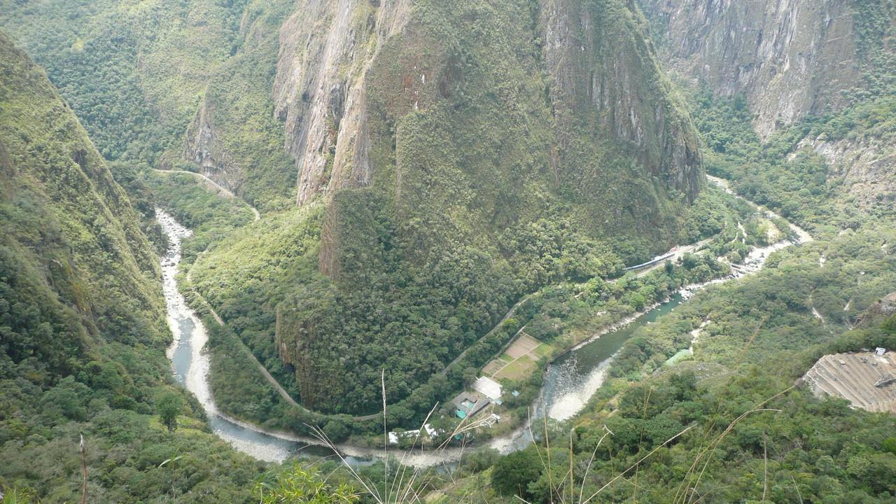 Blick vom Whyna Picchu ins Tal