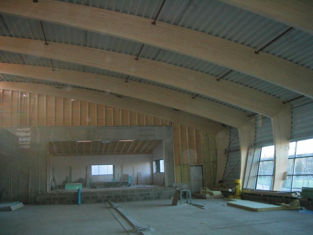 Landskroner Festhalle (sichtbare Holzträgerkonstruktion)