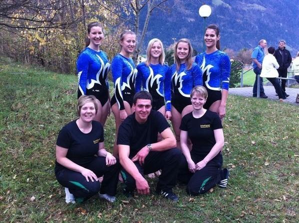 SM-Team mit Leiterinnen und Ringanstösser