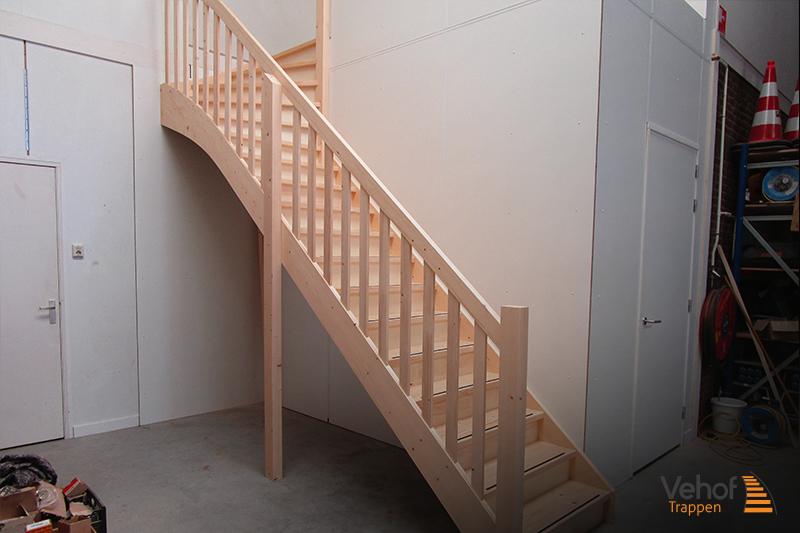 Trappen houten trappen hengelo en overijssel
