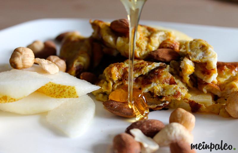Bananenrührei mit Honig und Nüssen