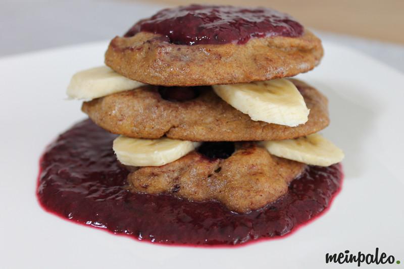 Heidelbeer-Pancakes mit Banane