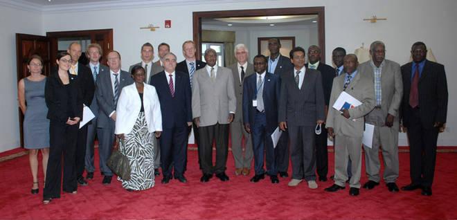 Die deutschen Unternehmen trafen den Präsidenten des Landes Uganda, Herrn Yoweri Kaguta Museveni, sowie den Energieminister, den Finanzminister, die Umweltministerin, den Direktor der Rural Electrification Agency, die Direktorin der Uganda Investment Auth