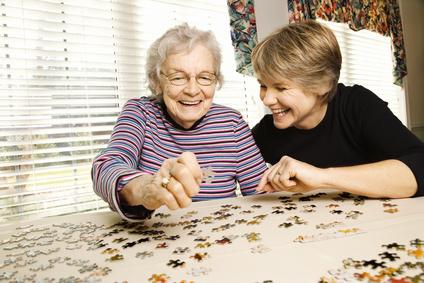 Eine individuelle Seniorenbetreuung zuhause durch polnische Pflegekräfte beugt der Einsamkeit vor