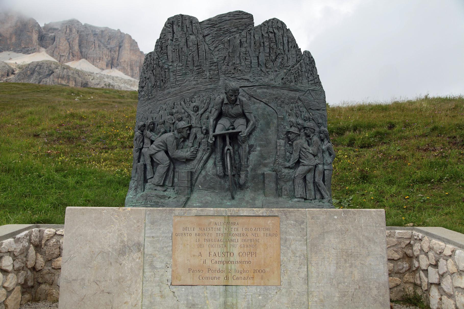 Monumento a Fausto Coppi. Passo Pordoi. Canazei (TN)