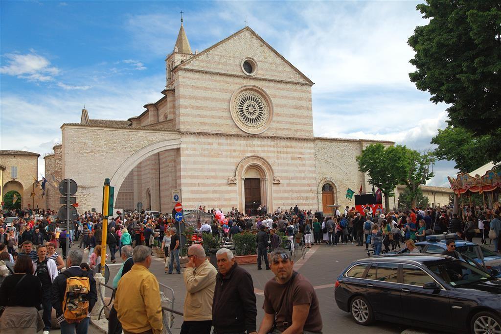 Assisi-Basilica di Santa Chiara