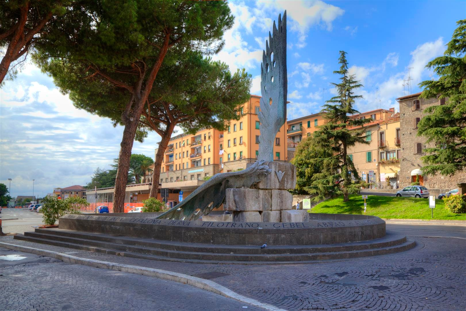 Viterbo-Monumento ai caduti