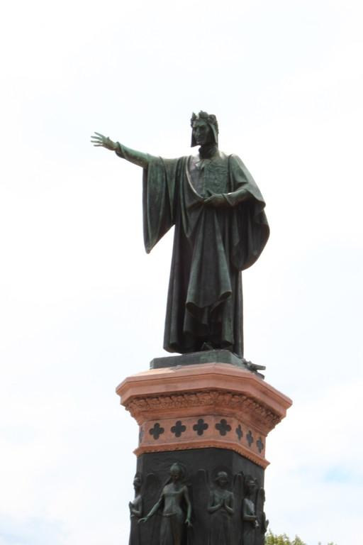 Trento monumento a Dante Alighieri