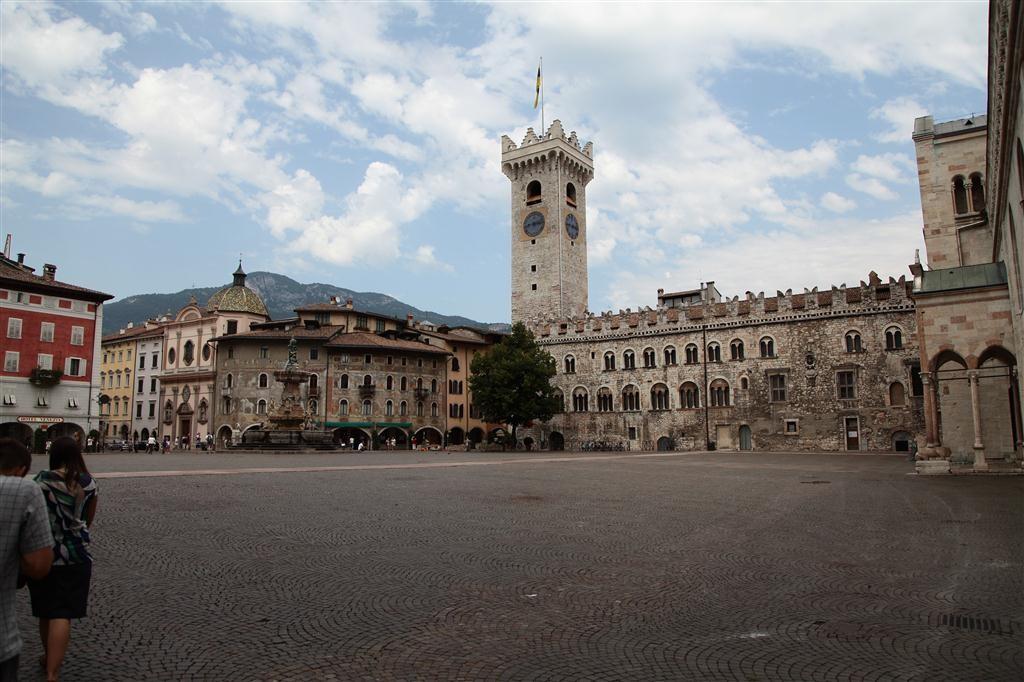 Trento piazza del Duomo