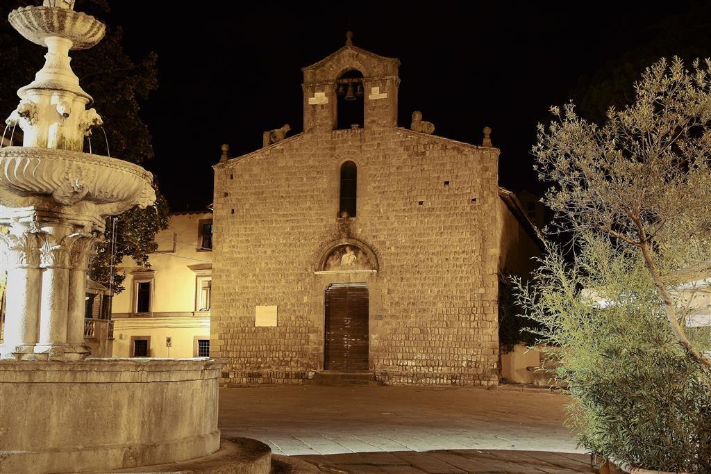 Viterbo -Piazza del Gesù-