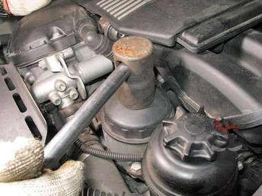 Сколько литров масла в двигателе бмв