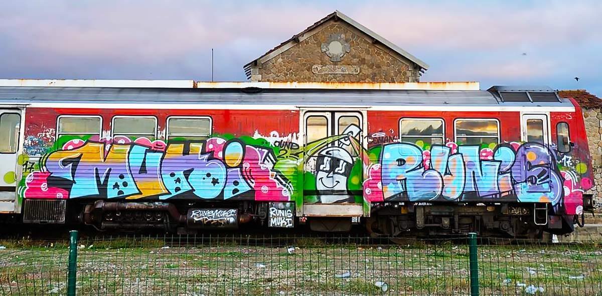old-school-metro-personnage-bombe-peinture-graffiti.jpg