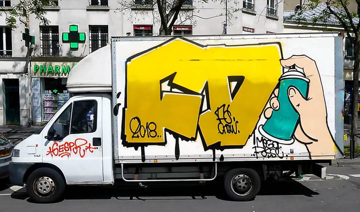 perso-bombe-peinture-graffiti-hommage-camion.jpg