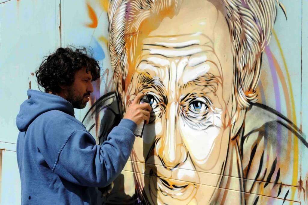 C215 street art en plein graff