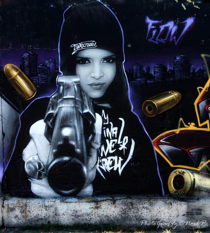 best-of-mural-2018-street-art-girl-with-gun.jpg