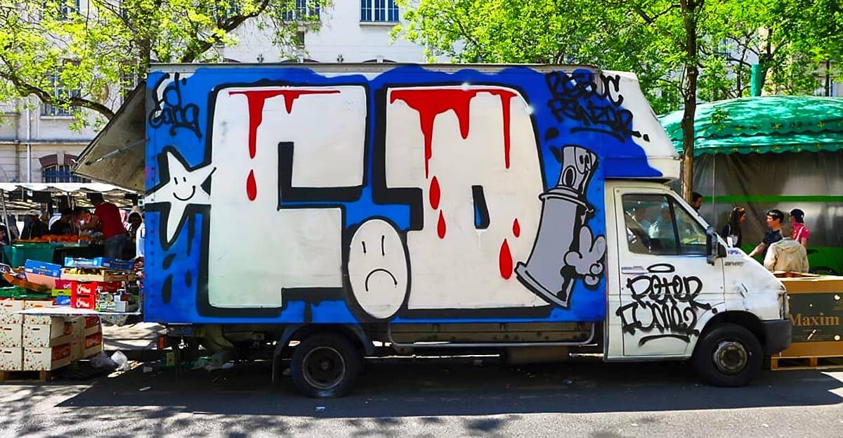 perso-bombe-peinture-graffiti-ancien.jpg