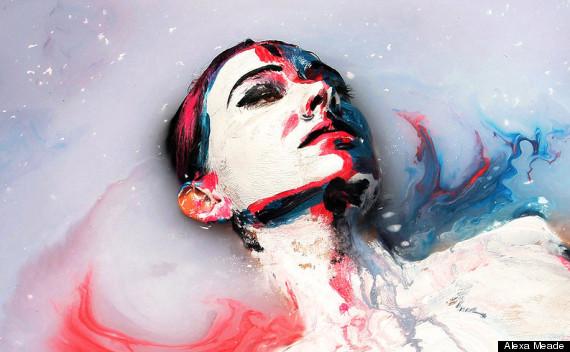 alexa meade woman in bath illusion 3D