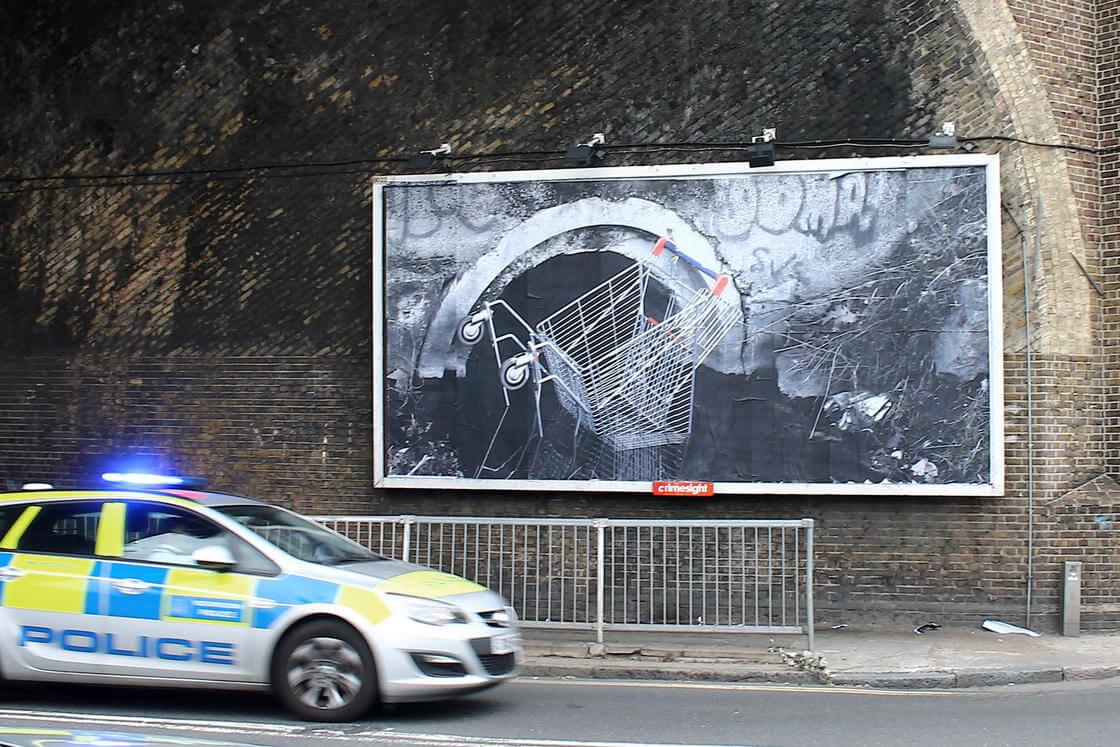 detournement-panneaux-publicitaires-street-art-hogre20.jpg