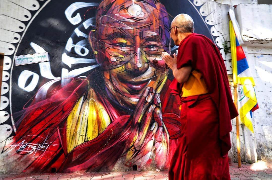 hopare-india-dalai-lama-best-of-street-art-2018.jpg
