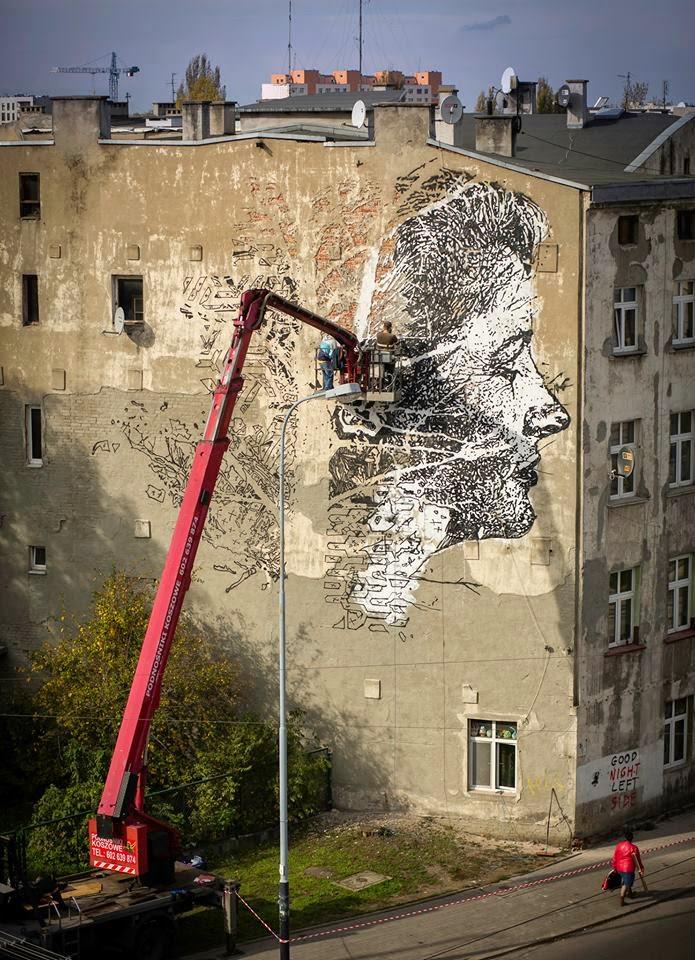 vhils street art grue mur gravure