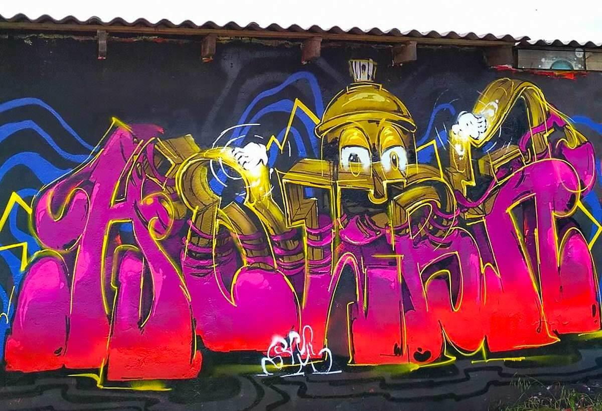 perso-bombe-peinture-graffiti-bombing.jpg